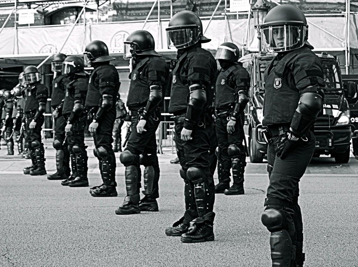 Reflexión sobre la necesidad de la polícia en la sociedad